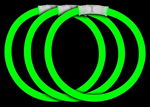 Fun Central 50 Pieces - 8 Inch Glow Stick Bracelets - St. Patrick's Day Glow in The Dark Party Supplies - Green
