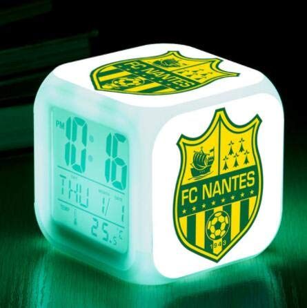 Sportverein Fußball LED Wecker Wecker leuchtende Digitaluhr 7 Farben Uhr Mini Kinder Nachtwecker