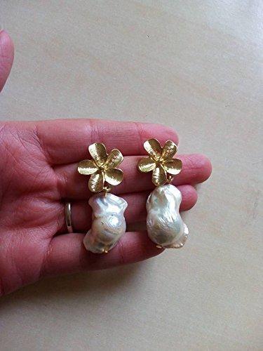 orecchini fiori ottone oro sicilia barocchi primavera perle di fiume perle scaramazze