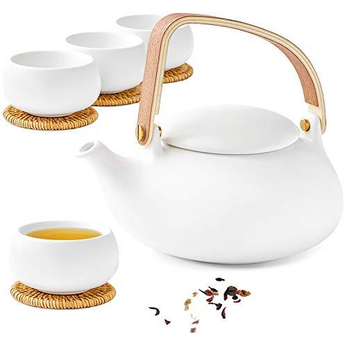 ZENS Teekanne Porzellan Set, Teeservice Chinesisch Keramik mit Sieb für Losen Tee, 800ml Matt Weiß Japanische kanne & 4 Tasse 130ml mit Modern Bugholz Griff & Rattan-Untersetzer, Mütter Geschenk