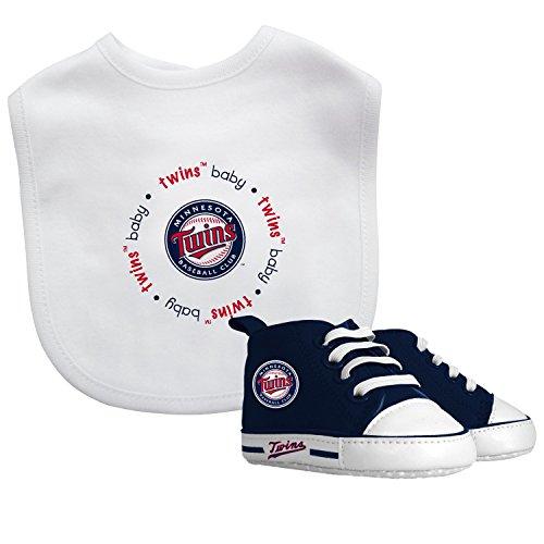 Baby Fanatic MLB Bib with Pre-Walke…