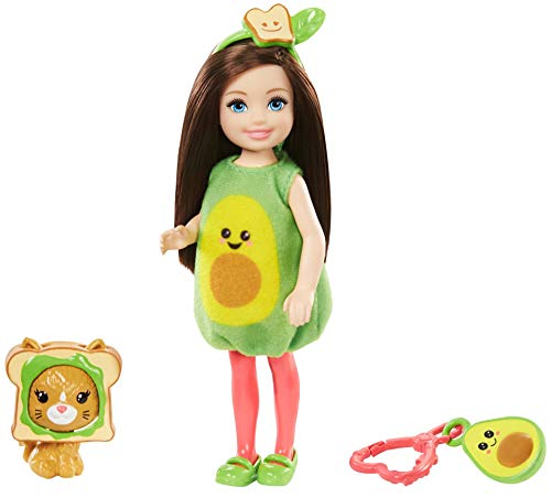 Barbie Chelsea Disfraz de Aguacate, Muñeca con Accesorios (Mattel Gjw31) , color/modelo surtido