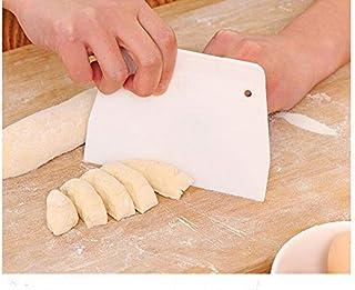 اداة كشط وتقطيع العجين من البلاستيك مع ثقب صغير للمطبخ (قطعتان)