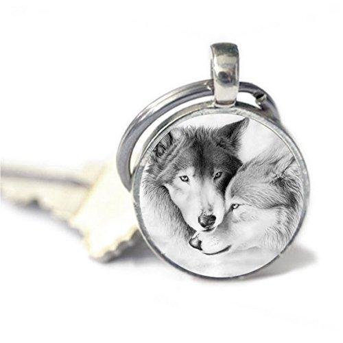 Llavero con diseño de lobo de amor y llavero de luna