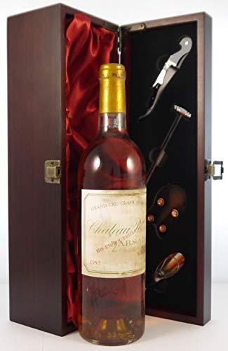 Chateau Broustet 1983 Grand Cru Classe Sauternes in einer mit Seide ausgestatetten Geschenkbox. Da zu vier Wein Zubehör, Korkenzieher, Giesser, Kapselabschneider,Weinthermometer, 1 x 750ml