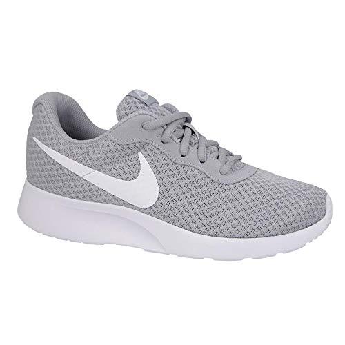 Nike Tanjun, Zapatillas de Running para Hombre, Gris (Wolf Grey/White 010), 42 EU