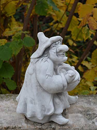 Lustige Hexe mit Kochtopf aus Steinguss, frostfest - 6