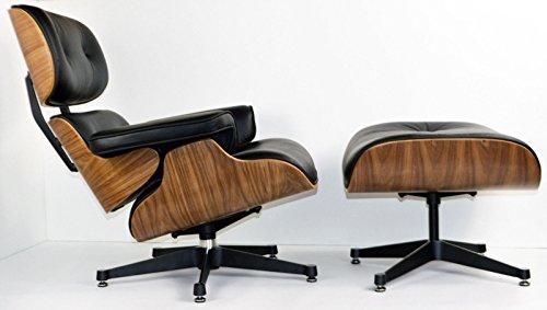 Sillón de piel, inspirado en Charles Eames, con otomana, color negro y madera de nogal