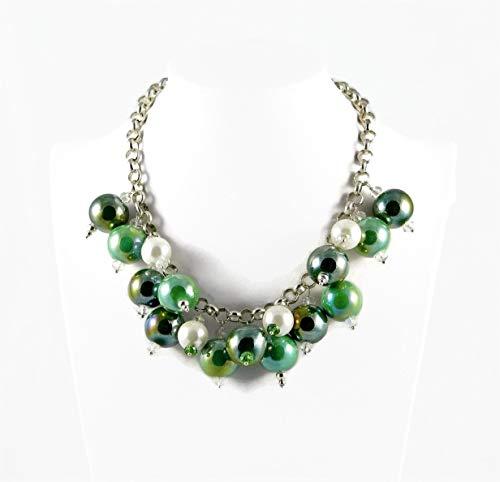 Choker Halskette mit grünen Keramik Perlen weißen Mallorca Perlen und Swarovski Kristallen
