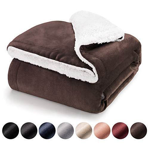 Blumtal Mantas para Sofá Reversible de Sherpa y Franela Suave - Manta Polar 100% Microfibra Extra Suave, Manta de sofá, de Cama o de Sala de Estar, Marrón Oscuro, 150 x 200 cm