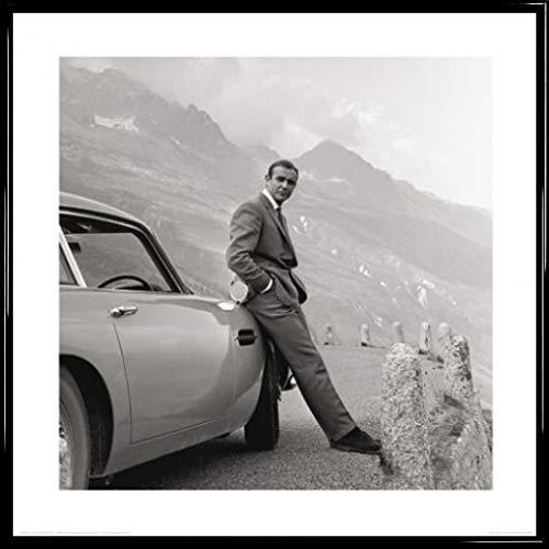 1art1 James Bond 007 Poster Kunstdruck und Kunststoff-Rahmen - Sean Connery Mit Aston Martin (40 x 40cm)