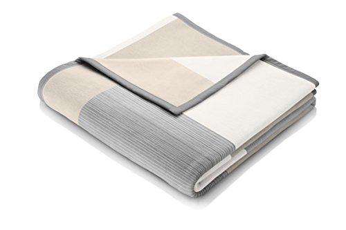 biederlack® flauschig-weiche Kuschel-Decke aus Baumwolle und Dralon I Made in Germany I Öko-Tex I nachhaltig produziert I Karierte Couch-Decke Squares Grey in grau I Sofa-Decke in 150x200cm