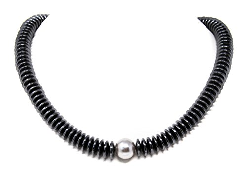 Beautiful necklace made of haematite in button shape with a shell pearl, black.