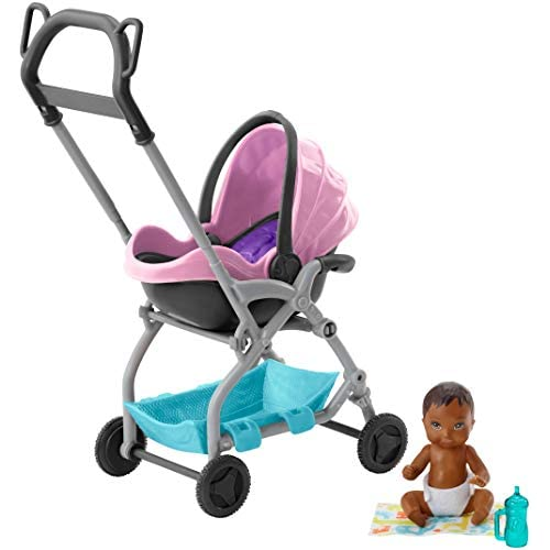 Barbie Skipper Afroamericana, Babysitter con Bambola Piccola, Passeggino Rosa e Blue, Copertina e Accessori, Giocattolo per Bambini 3 + Anni, FXG95