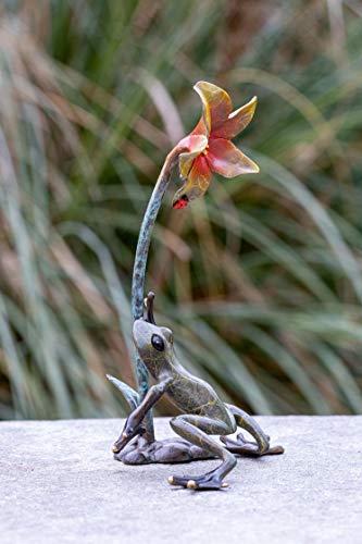 IDYL Escultura de bronce con flor   21 x 9 x 13 cm   Figura de animal de bronce hecha a mano   Escultura de jardín o estanque   Artesanía de alta calidad   Resistente a la intemperie