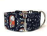 Martingal Hundehalsband: Sally auf einem dunkelblauer Hintergrund, handgemacht in Spanien von Wakakán