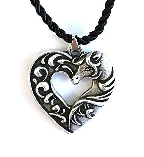 Collana a forma di cavallo con cuore finemente lavorato, ciondolo a forma di pony, simbolo dell'amore amicizia, cordoncino intrecciato nero, regalo originale per donna, bambino, adolescente, cavalier