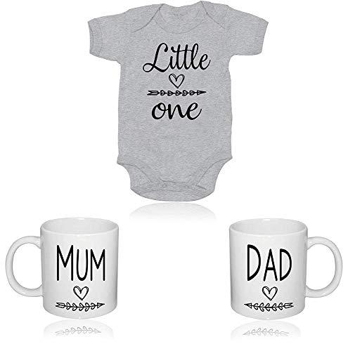 Geschenkset für frischgebackene Eltern mit süßem Body für Baby. Perfektes Tassen-Geschenkset, Geschenk für neue Eltern, Tassen-Set, Babyparty.