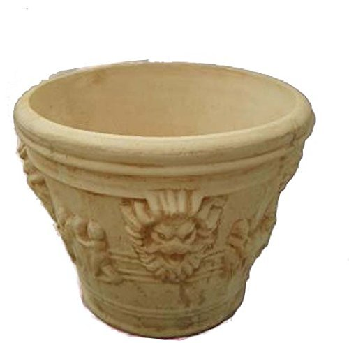 Jardinière en béton, vase, 70 x 90 cm.