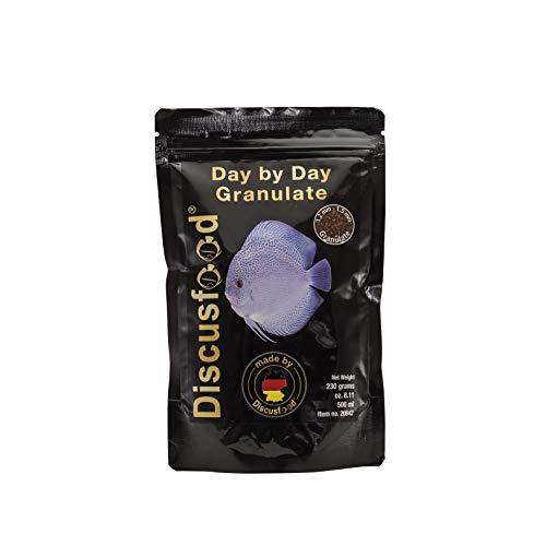 Day by Day Discus Granulat 230g, Hauptfutter, Fisch-Futter für Diskus, Alleinfutter deckt den täglichen Bedarf, für alle Arten von Zierfischen