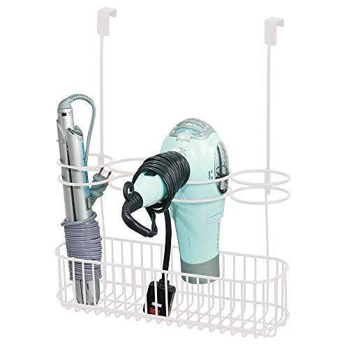 mDesign Soporte para secador de Pelo sin Taladro – Ideal Colgador para Puerta para Guardar el secador en el baño – Útil Organizador de baño con 4 apartados para rizador, Plancha o cepillos – Blanco