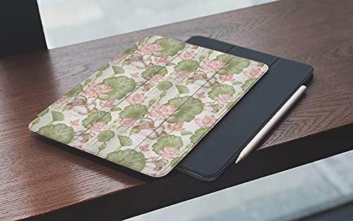 MEMETARO Funda para iPad 10.2 Pulgadas,2019/2020 Modelo, 7ª / 8ª generación,Patitos de Pato de Goma en el Lago Flores Lirios Vintage Río Naturaleza, Smart Leather Stand Cover with Auto Wake/Sleep