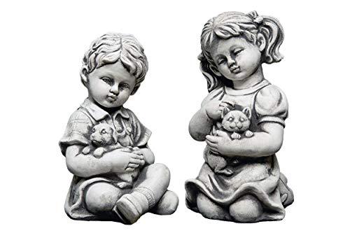 gartendekoparadies.de Massive Steinfigur Junge und Mädchen mit Tiere Kinderfigur aus Steinguss frostfest