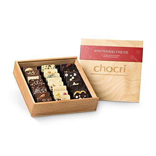 """chocri """"Winterweltreise"""" in Holzkiste - 24 kleine Schokoladen-Tafeln mit winterlichen Zutaten in einer Holzbox - perfektes Weihnachtsgeschenk - Fairtrade Kakao - 165g"""