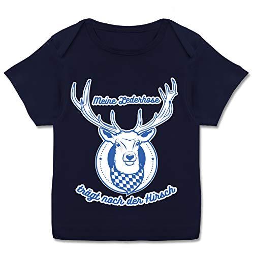 Oktoberfest & Wiesn Baby - Meine Lederhose trägt noch der Hirsch Rauten - 80-86 - Navy Blau - Baby mädchen 74 - E110B - Kurzarm Baby-Shirt für Jungen und Mädchen