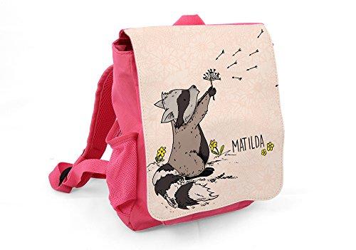 Kinderrucksack Mädchen in Rosa - Süße Kindertasche mit Wunschname KR003 und niedlichem Waschbär - Hochwertige Kindergartentasche mit Vordertasche & Flaschentasche - Freizeit Rucksack für Kinder 6 L