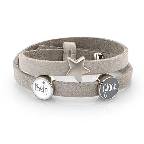 Lederarmband - hellgrau, mit Wunschtext, Stern & 2 Schiebeperlen in grau & weiß - Modeschmuck Personalisiert Individuell Perle Damenschmuck Armband Namensperle Glascabochon Geschenkidee