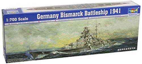 Trumpeter - Modellino di Nave da Guerra Bismarck del 1941