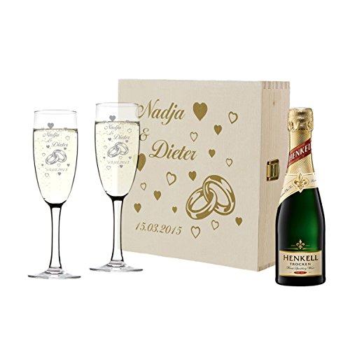 polar-effekt 2 Sektgläser und Sekt-Flasche in Geschenkbox Personalisiert - Hochzeit Geschenkidee Sektglas-Set mit Gravur - Motiv Ringe mit Herzen