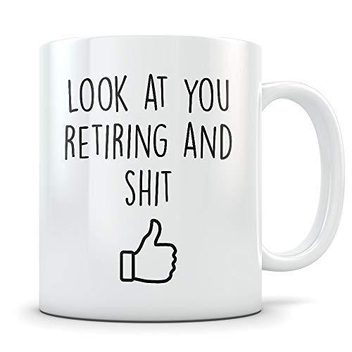 N\A Divertido Regalo de jubilación para Hombres y Mujeres Taza de café Feliz y jubilada para felicitaciones La Mejor Taza de mordaza de jubilación para felicitar a Alguien Que se jubila del Trabajo