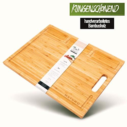 NATUMO Holzschneidebrett – Edles Holz Schneidebrett aus Bambus – Premium 43x32 cm großes Holzbrett mit extra tiefer Saftrille