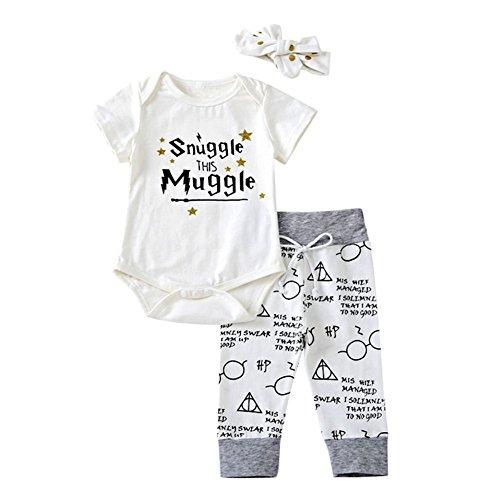 SCFEL Baby Jungen Mädchen Brief Print Kurzarm Strampler + Lange Hosen + Stirnband Outfits (Weiß, 0-6 Monate)