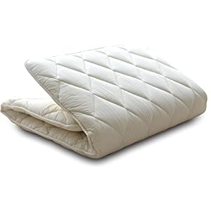 """""""Classe"""" is EMOOR's best and long selling, simple and basic futon series. Have a good sleep with our good quality, Made-in-Japan futon at reasonable price. Mattress Futon is about 2.5in (8cm) thick, contains a firm polyester pad sandwiched with soft ..."""