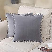 CAROMIO Fundas de cojín de terciopelo con pompón, color gris, para oficina, de poliéster, para sofá, cojín lumbar, estilo rústico, 2 unidades, 45 x 45 cm