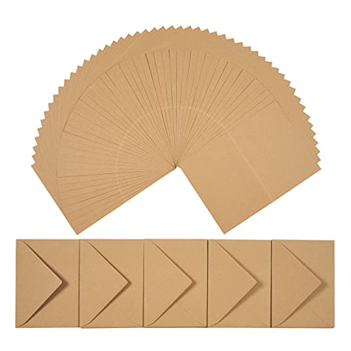 perfect ideaz 50 Kraft-Papier Klapp-Karten DIN-A6 mit Brief-Umschlag (11 x 15,5 cm), nachhaltig in Deutschland hergestellt, Doppel-Karte braun, blanko Set, zum Basteln für Post- & Glückwunsch-Karten