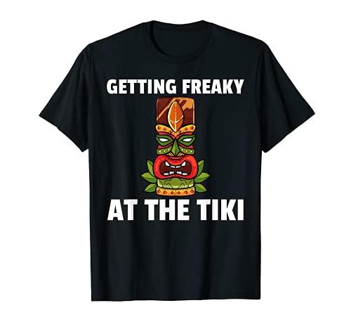 Conseguir Freaky en el Tiki Gift Hawaiian Luau Camiseta