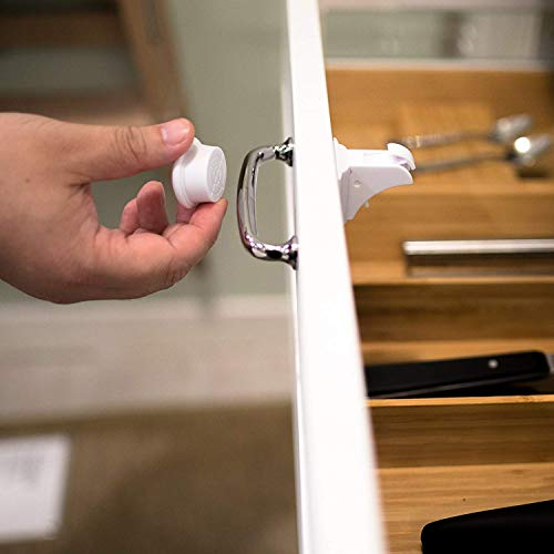 Baby Sicherheit Magnetisches Schrankschloss | Unsichtbare Kindersicherung | Schrankschloss & Schubladensicherung Magnet | Ohne Bohren und Schrauben (18 Schlösser mit 3 Schlüssel)