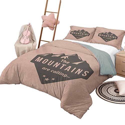 DayDayFun Quilt Set mit Bettlaken Adventure 3-teilige Tagesdecken Bettdecke Berge rufen Zitat auf Pfirsich Hintergrund Vintage Style Reise Klettern Kunst Queen Size Peach Black