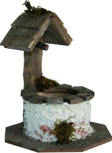 Brunnen mit kleine Dach, Höhe ca. 12 cm.