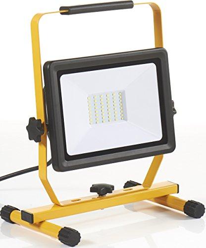 Northpoint LED Baustrahler Arbeitsstrahler Fluter 50W Leistung 4000 Lumen Lichtstrom stabiles Standgestell und 2m Zuleitung