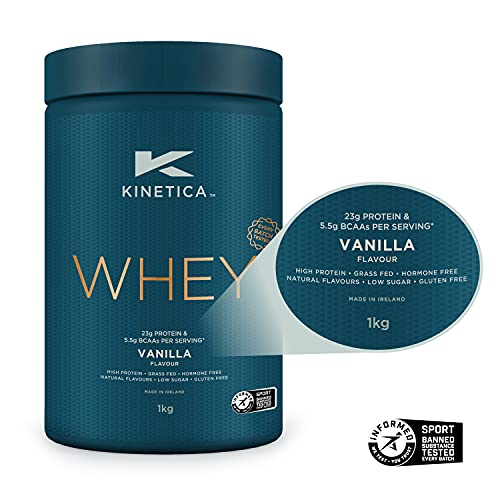 Kinetica Protein Pulver Vanille 1kg, Whey Protein, 23g Protein pro Portion, 33 Portionen inkl. Messbecher, Eiweißpulver, Whey Protein Pulver aus EU Weidehaltung, Super Löslichkeit u. reiner Geschmack