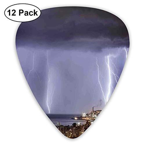 Gitaar Picks12pcs Plectrum (0.46mm-0.96mm), Majestic View On Coastal Town In Dark Stormy Night Met Giant Regen Cloud en Flash Foto,Voor Uw Gitaar of Ukulele