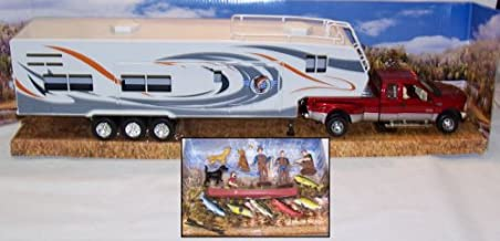 New Ray Fishing Camper Playset by 1-32 Scale.