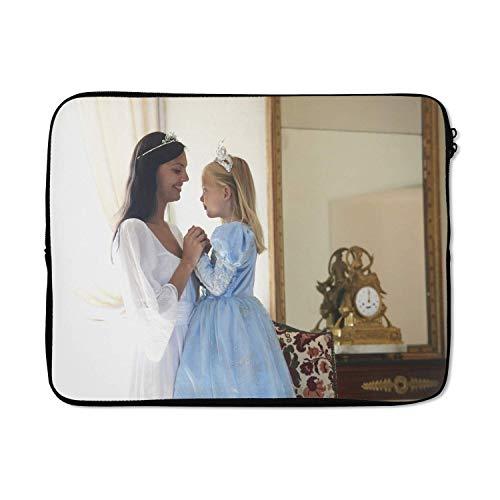 Laptophoes 17 inch 41x32 cm - Kinderen in verkleedkleren - Macbook & Laptop sleeve Moeder en dochter in verkleedkleren - Laptop hoes met foto