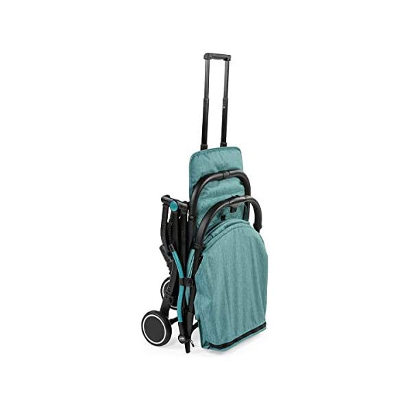 Chicco Trolley Chicco Trolley function to carry the stroller without lifting it Compact one-handed quick locking system, when closed stand alone Bumper sleeve with front opening for the child on the seat 9