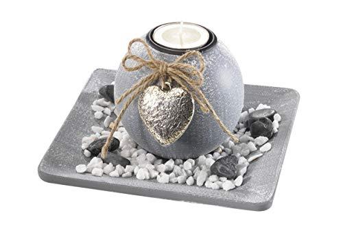 Dekoschale aus Holz mit einer Kerze